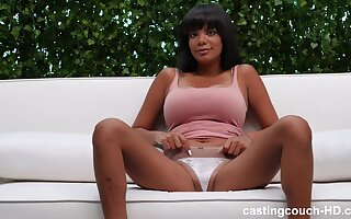 beautiful ebony Jiselle is the real queen of a blowjob and outside sex