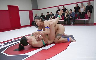 Cat fight shows naked lesbians getting really dirty